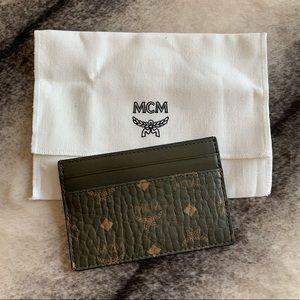 { MCM } Signature Visetos Logo Card Wallet Green